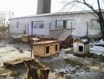 Отрада сердцу - новые будки, установленные в вольерах! Январь 2008